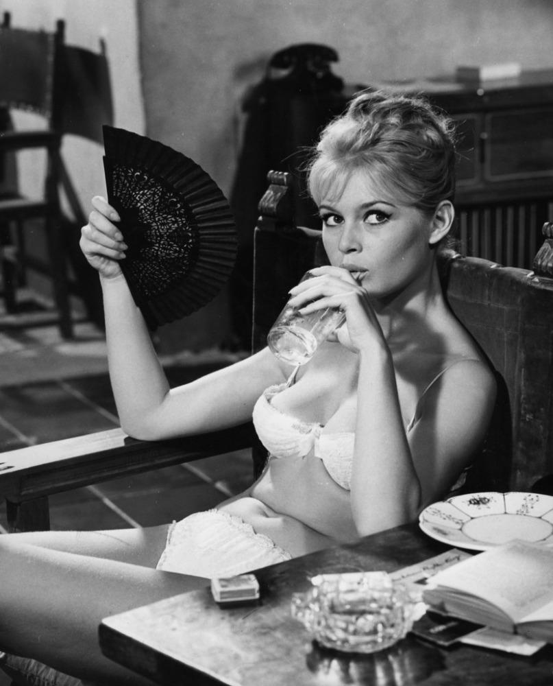 brigitte bardot white underwear | 24 femmes per second