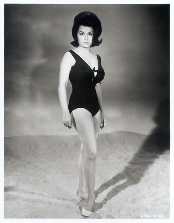 1941 Annette Funicello 6xd (4)