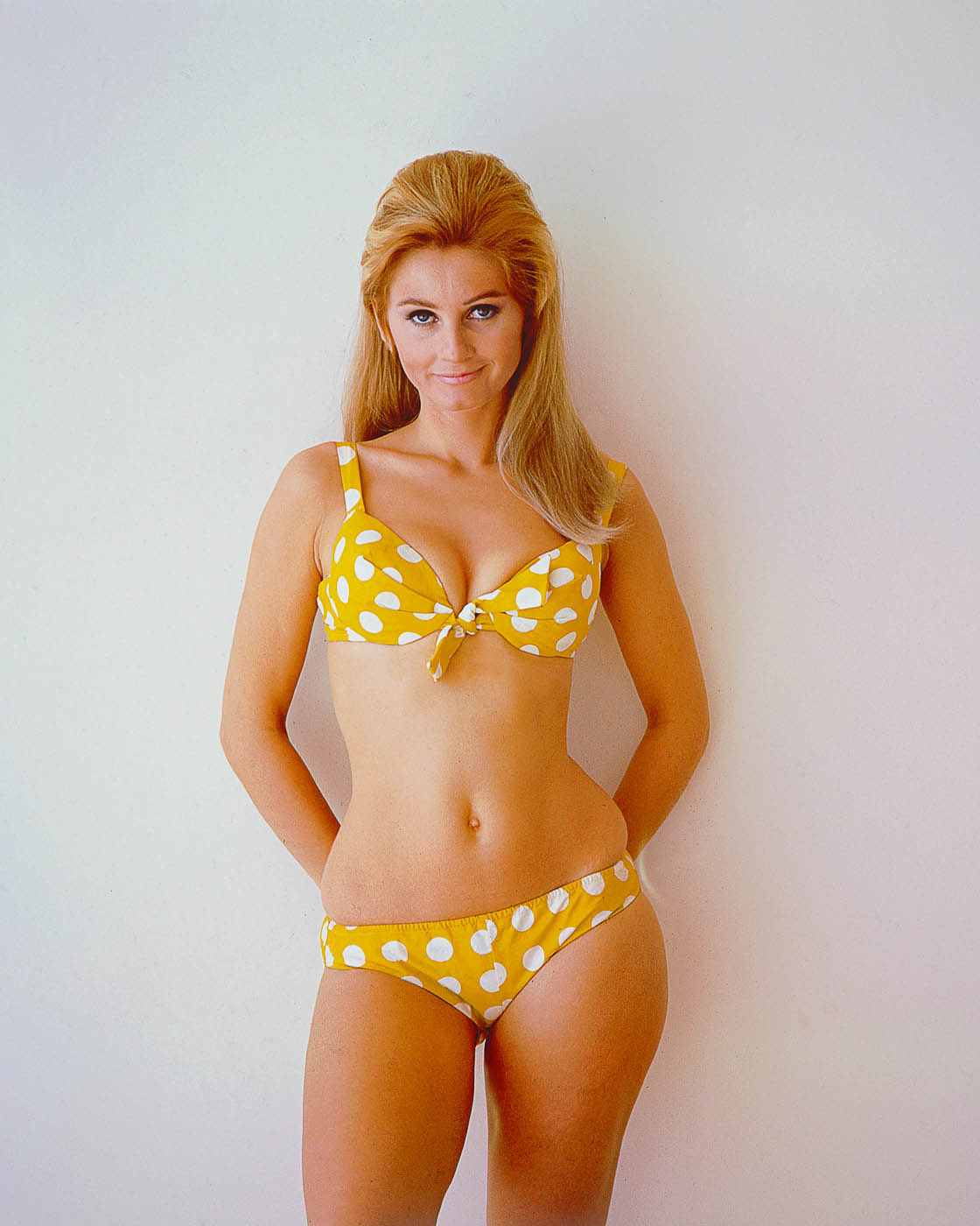 Paroles de Yellow polkadot bikini