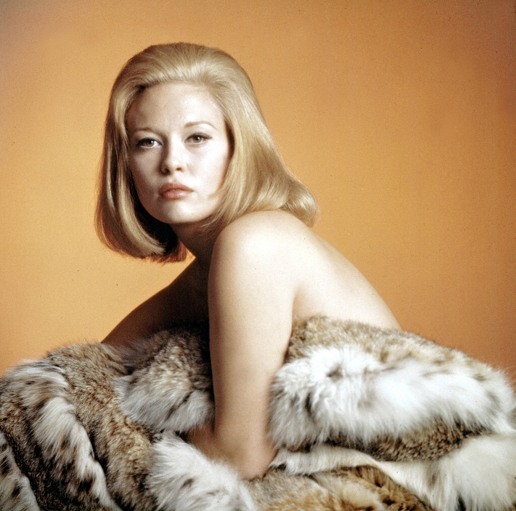 Faye dunaway acted on broadway until breaking into hollywood as