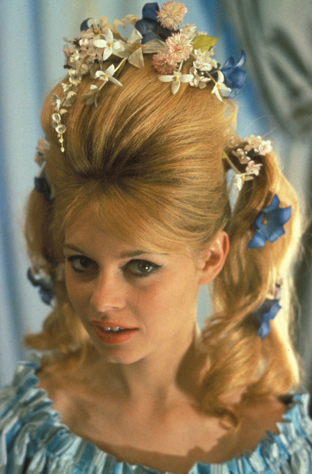 Brigitte Bardot With Flowers In Her Hair 24 Femmes Per Second