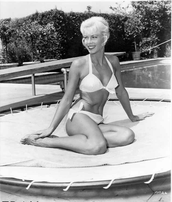 Kate Manx sunbathing portrait-watermarked