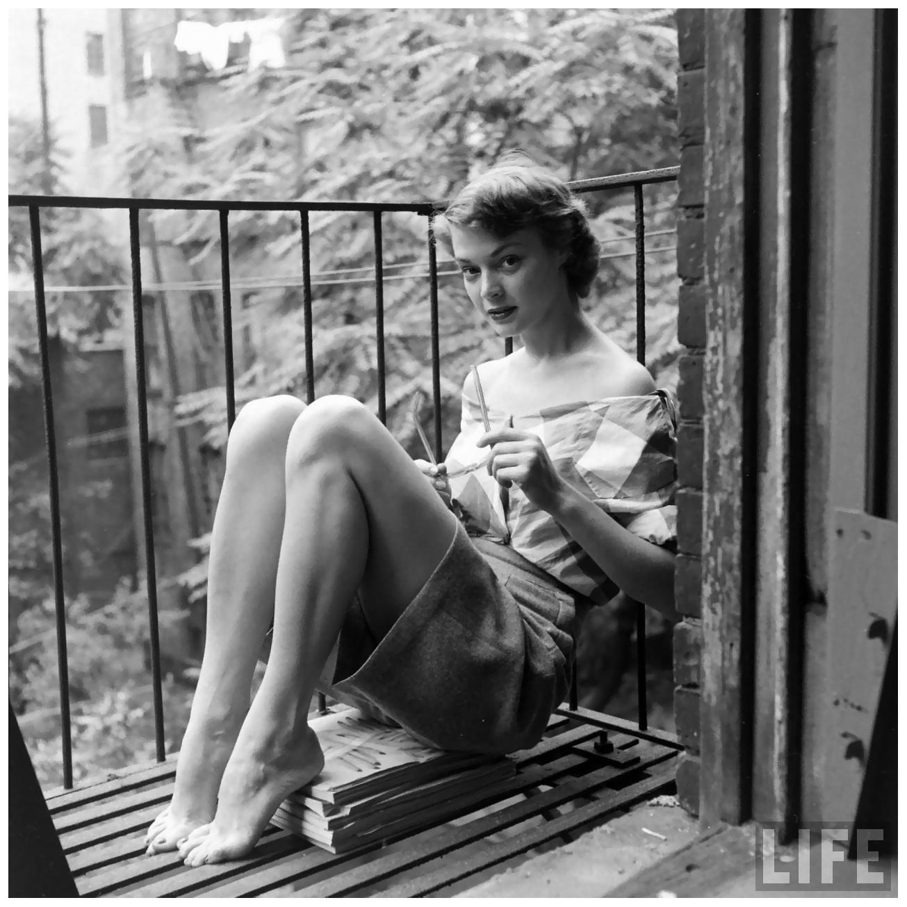 Fire Escape New York City 1940s : S femmes per second