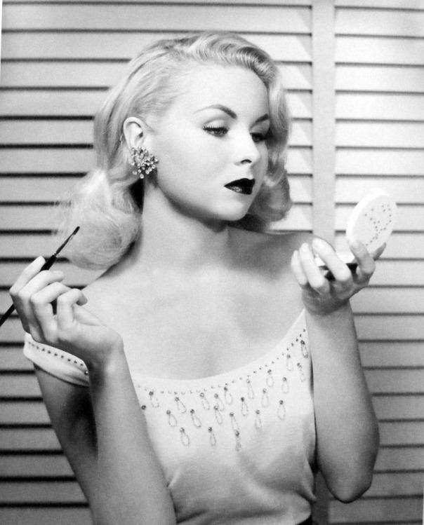1928 Joi Lansing makeup