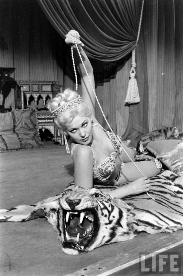 Kim Novak In The Movie Jeanne Eagels=1953-8