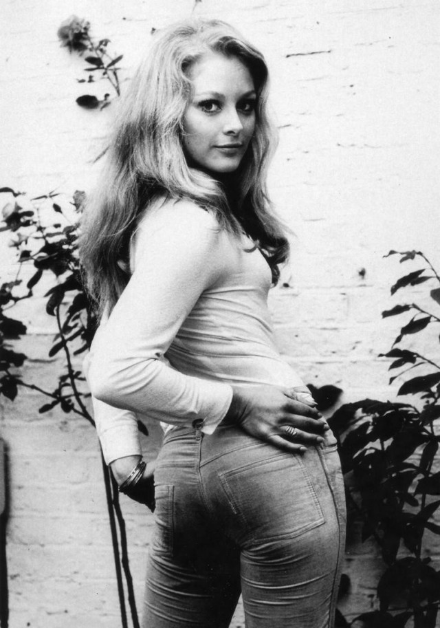 Catherine Schell ass