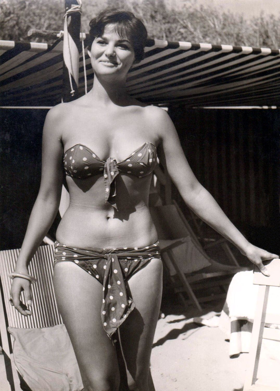 Air brushing...how can you improve on perfection anyway? Claudia-cardinale-bikini-les-petroleuses-tumblr