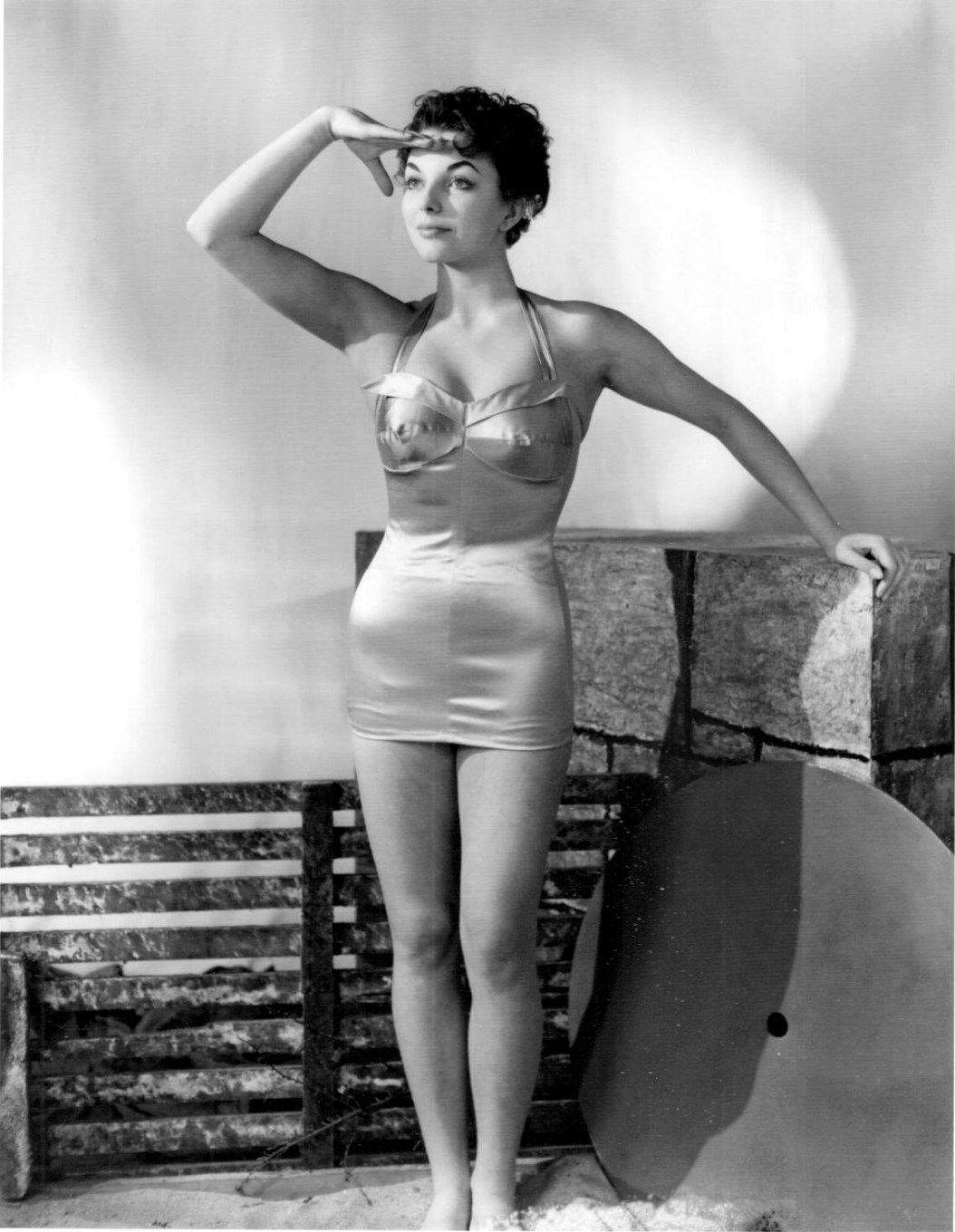 Joan Collins In A Swimsuit In A Studio  24 Femmes Per Second-2314