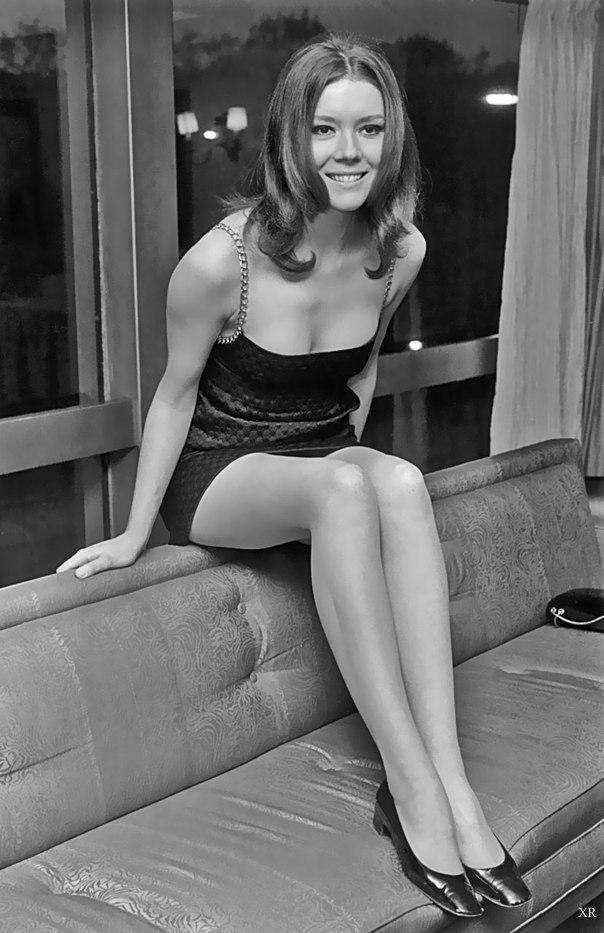 Diana rigg sofa