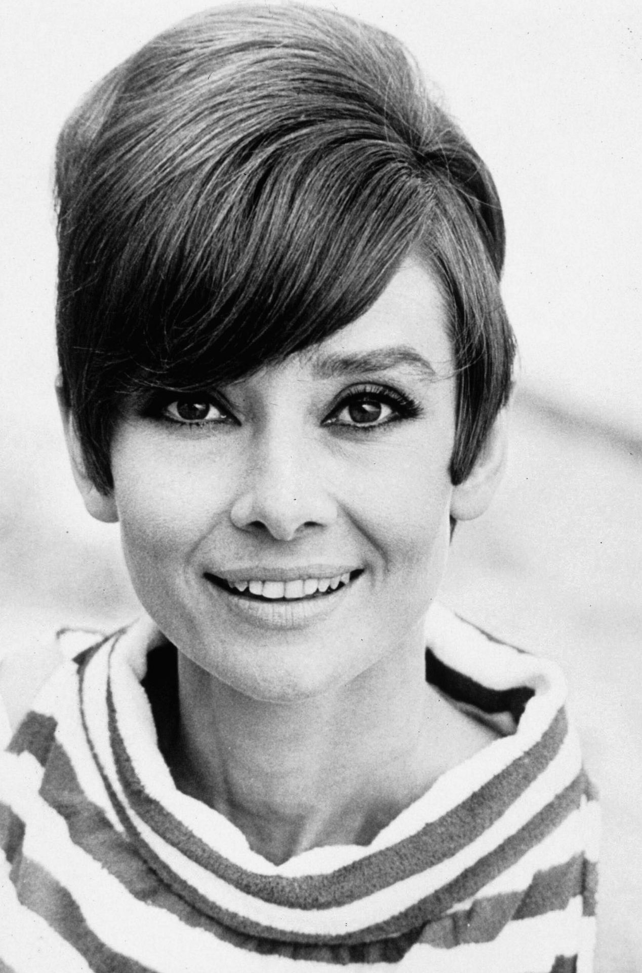 audrey hepburn 24 femmes per second. Black Bedroom Furniture Sets. Home Design Ideas