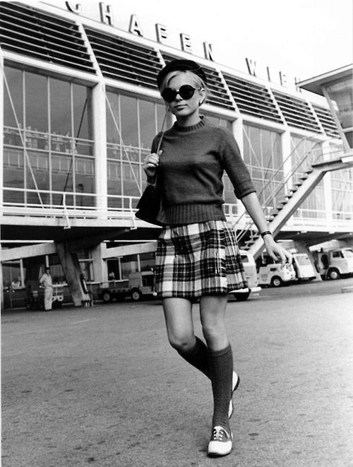 Francois papillon in fashion passion 1985 - 3 4