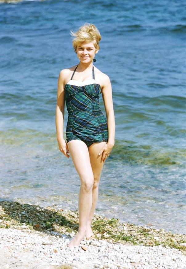 Brigitte Bardot green tartan bikini (JPEG Image, 760×1097 pixels)
