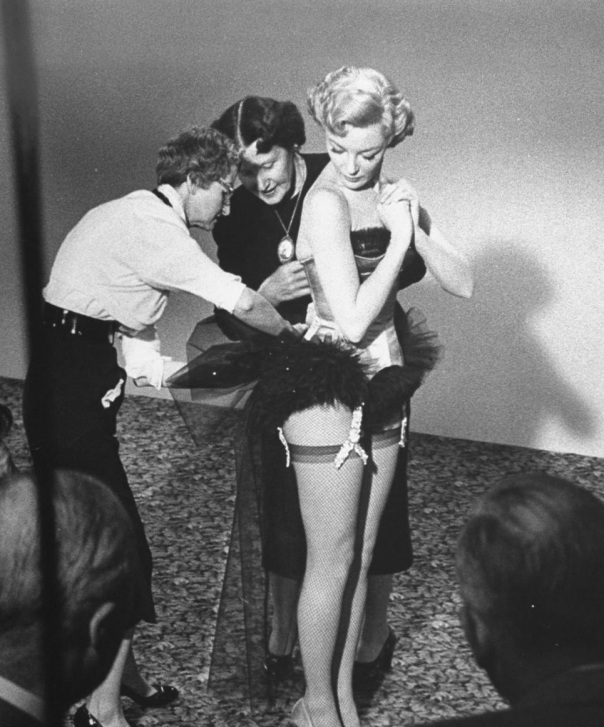 Sheree-North-being-fitted-into-costume-by-wardrobe-ladies-for-her-role-as-a-chorus-girl-in-How-to-Be-Very-Very-Popular-1955