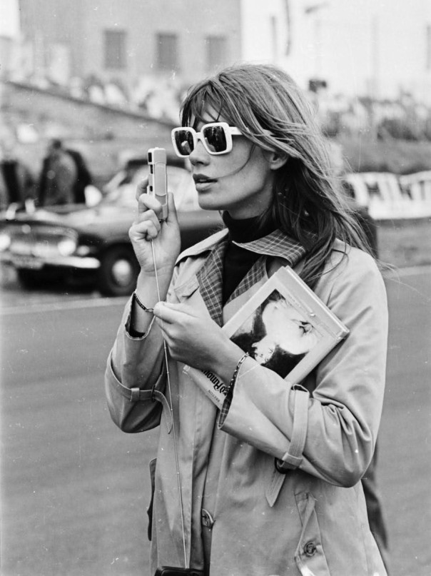 francoise-hardy-sunglasses-camera