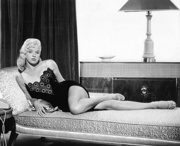 1931 Diana Dors bed