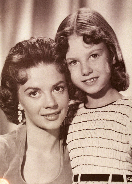 1938 Natalie Wood and lana Wood children