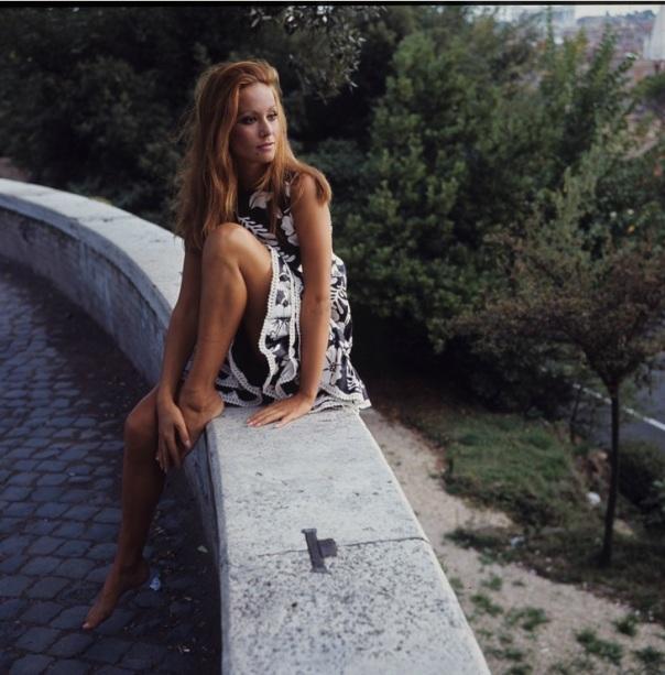 Claudine Auger 45