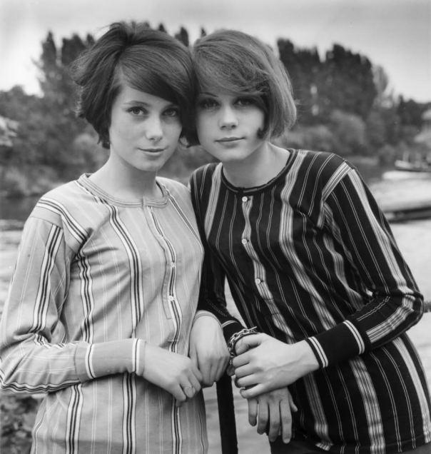 Françoise Dorléac et Catherine Deneuve stripes