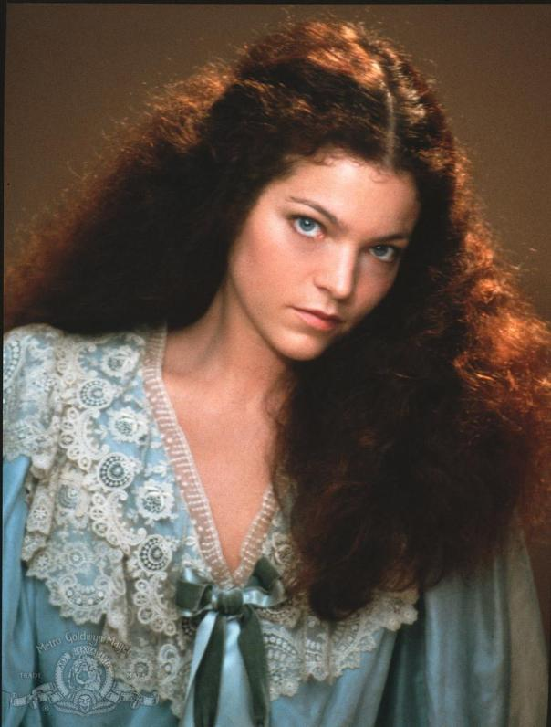 Amy Irving still-of-amy-irving-in-yentl-(1983)