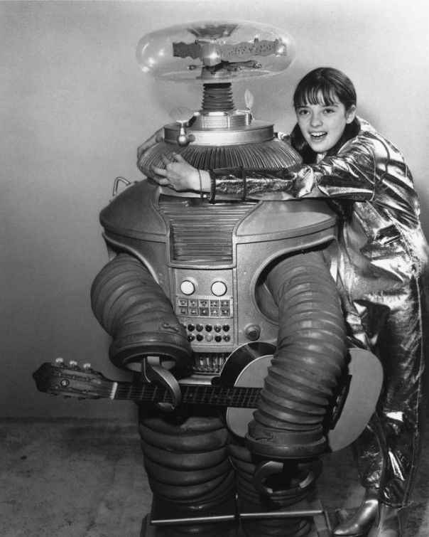 Angela Cartwright LOST IN SPACE 8X10 B&W PHOTO THE ROBOT