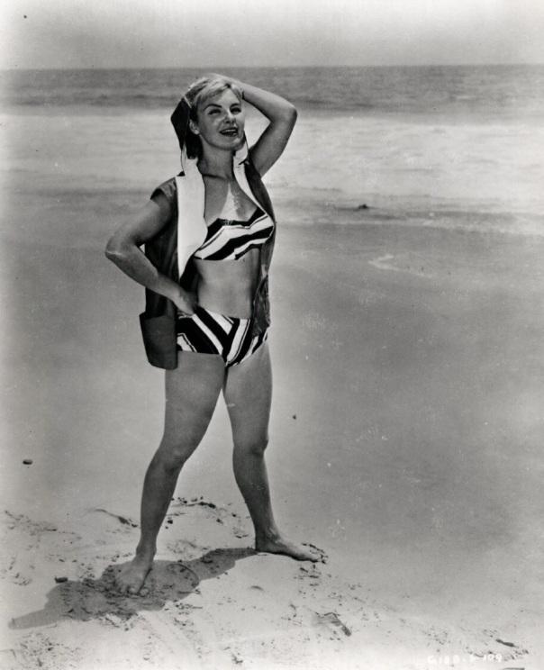 Joanne Woodward beach-1