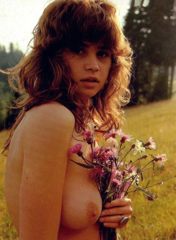 Maria Schneider topless 1