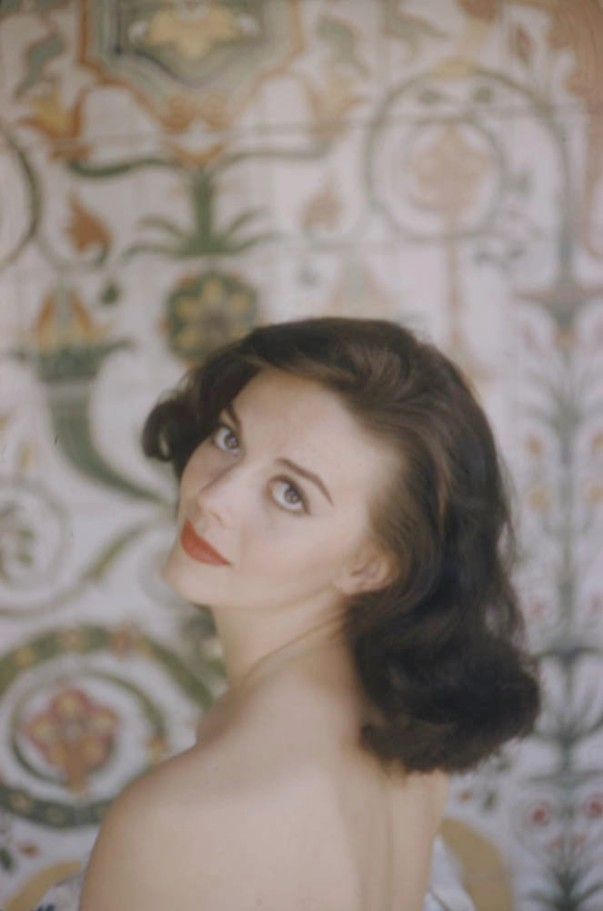 natalie wood over the shoulde bare back