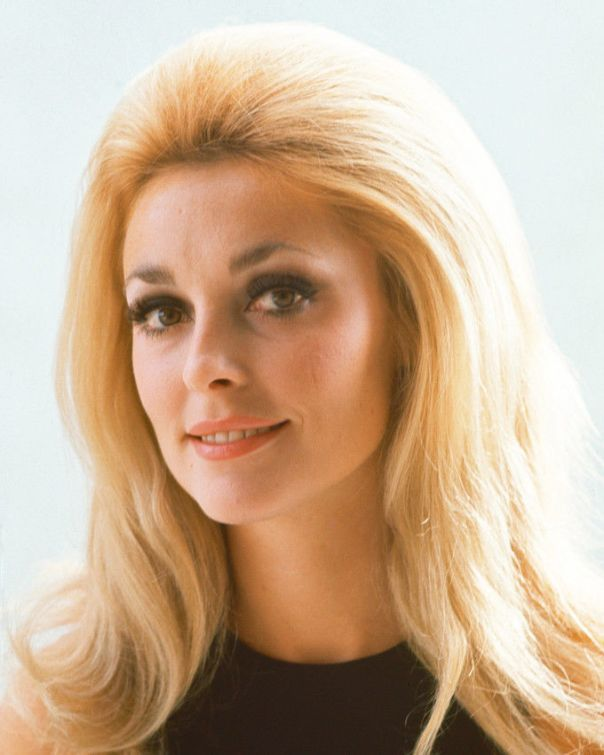 SHARON TATE BEAUTIFUL RARE PUBLICITY COLOR 11X14 PHOTO