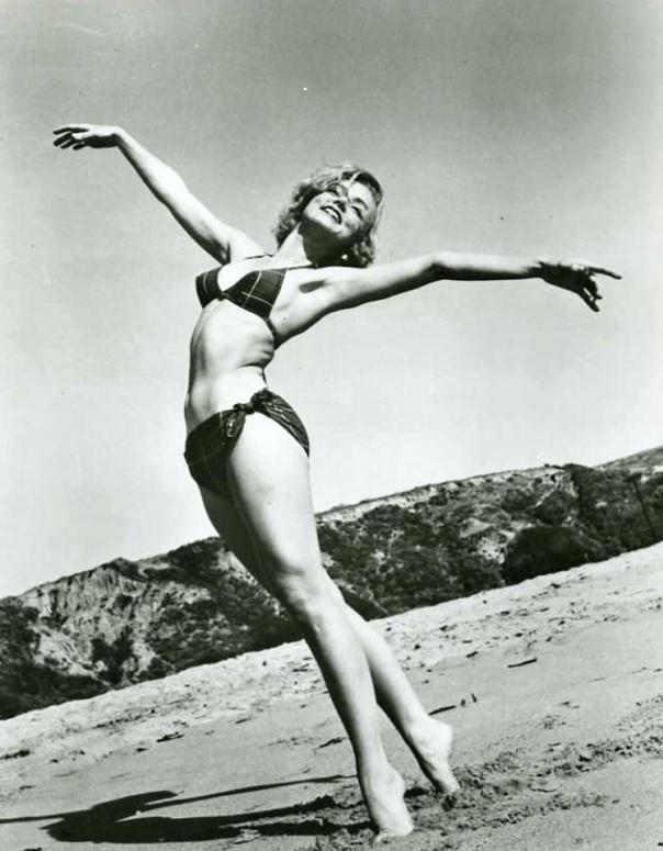 Yvette Vickers beach bikini