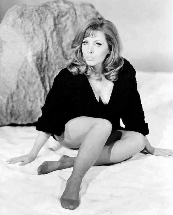 INGRID PITT THE PETER CUSHING APPRECIATION SOCIETY UK BLACKBOXCLUB.BLOGSPOT.COM