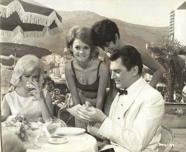 "JANETTE SCOTT & EDMUND PURDOM in ""The Beauty Jungle"" Original Vintage Photo 1964"
