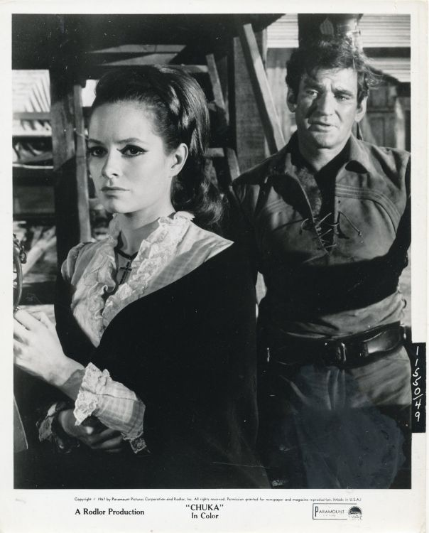 LUCIANA PALUZZI_ROD TAYLOR_CHUKA_8X10 ORIGINAL PHOTO BB3693