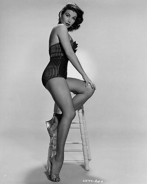 Mara Corday stool
