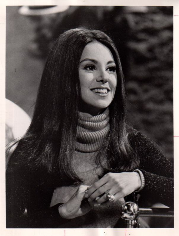 Marlo Thomas Original 7x9 photo P4641