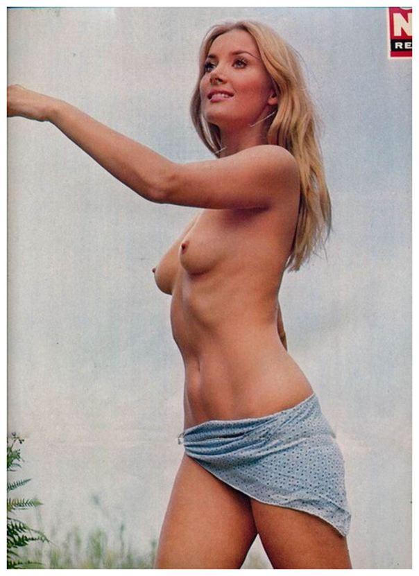 1943 Barbara Bouchet 5 topless