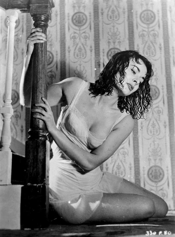 Anne Heywood wet stairs