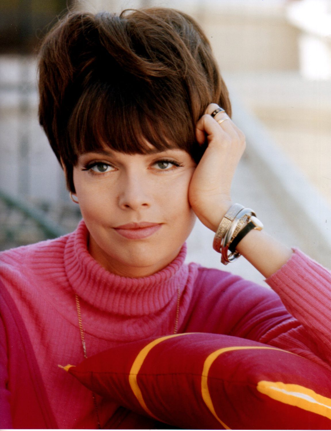 barbara feldon autographs 24 femmes per second