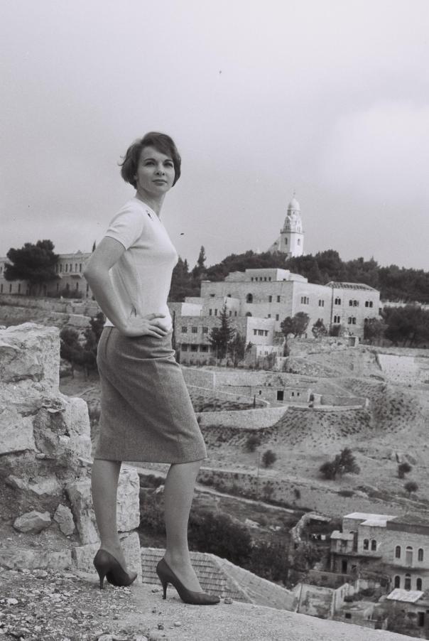 Francoise_Arnoul_1958