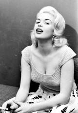 Jayne Mansfield smoking-3