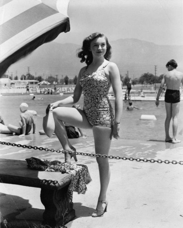 Joan Leslie b1925