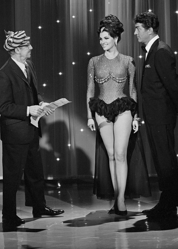 RAQUEL WELCH 1964 RARE TV SHOW PHOTO #D3 - HOLLYWOOD PALACE