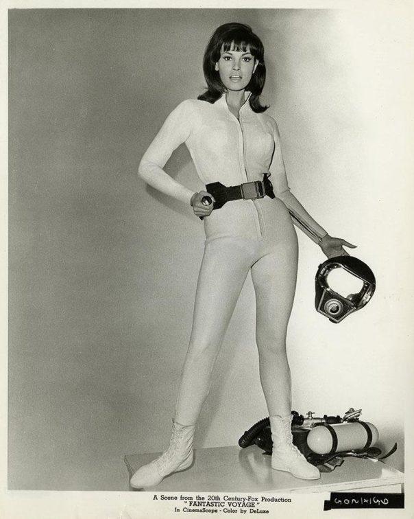 Raquel Welch 1966 Fantastic Voyage BW'
