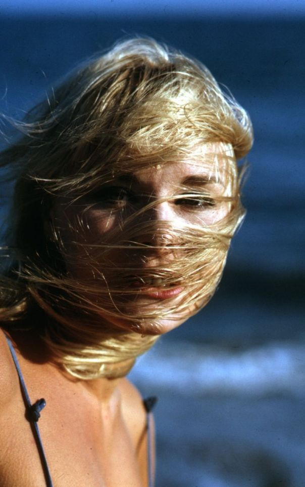 elke-sommer-beach-blown-beauty-original-slide-transparency-sex-symbol-gp2