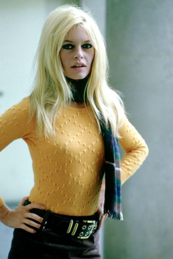 brigitte-bardot-yellow-top