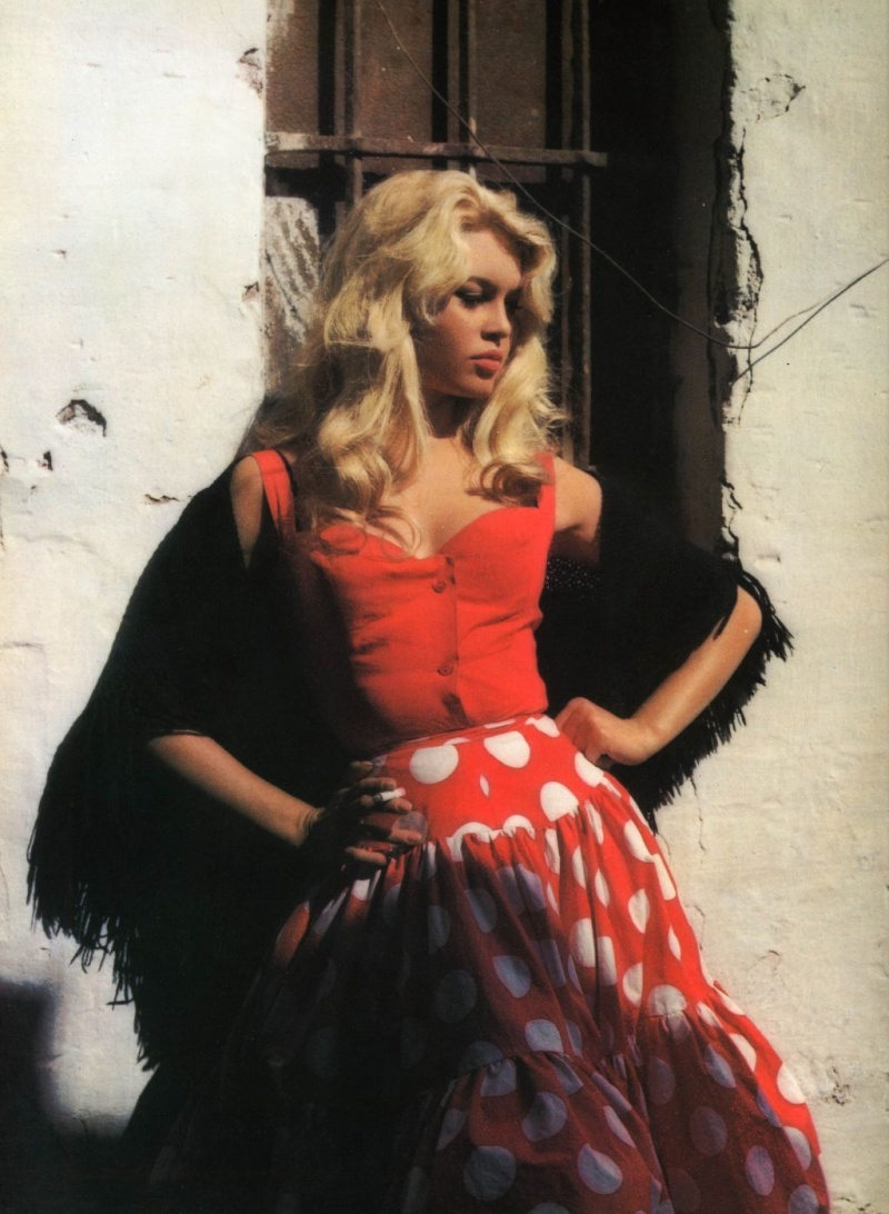 brigitte bardot in a red dress | 24 femmes per second