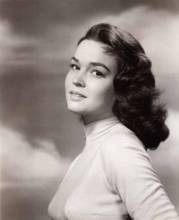kathryn-grant-busty-sexy-vintage-photo-circa-1957