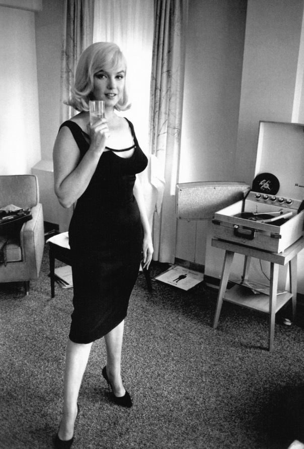 marilyn-monroe-record-player