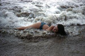 1962-asa-maynor-bikini-pinup-pose-original-slide-transparency-man-beast-gp1