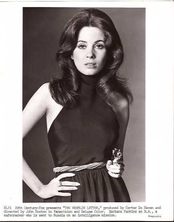 barbara-parkins-holding-a-gun-the-kremlin-letter-1970-8x10-publicity-photo