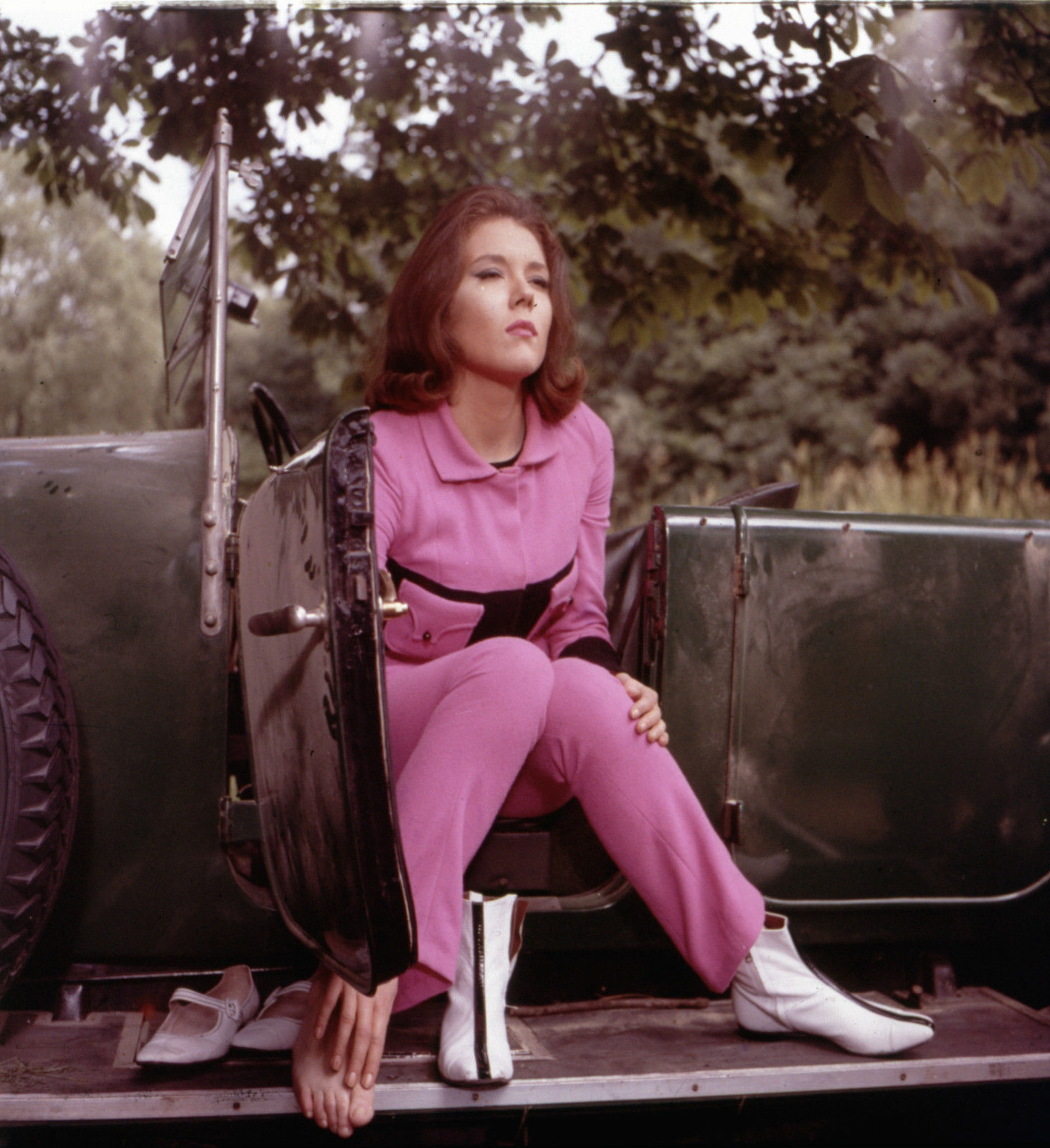 Diana Rigg is Emma Peel in The Avengers | 24 Femmes Per Second